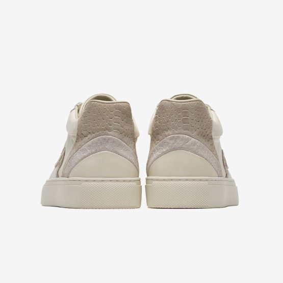 High-Top Shoes White
